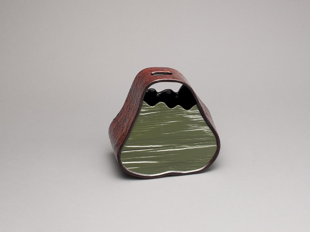 富士形木皮花器