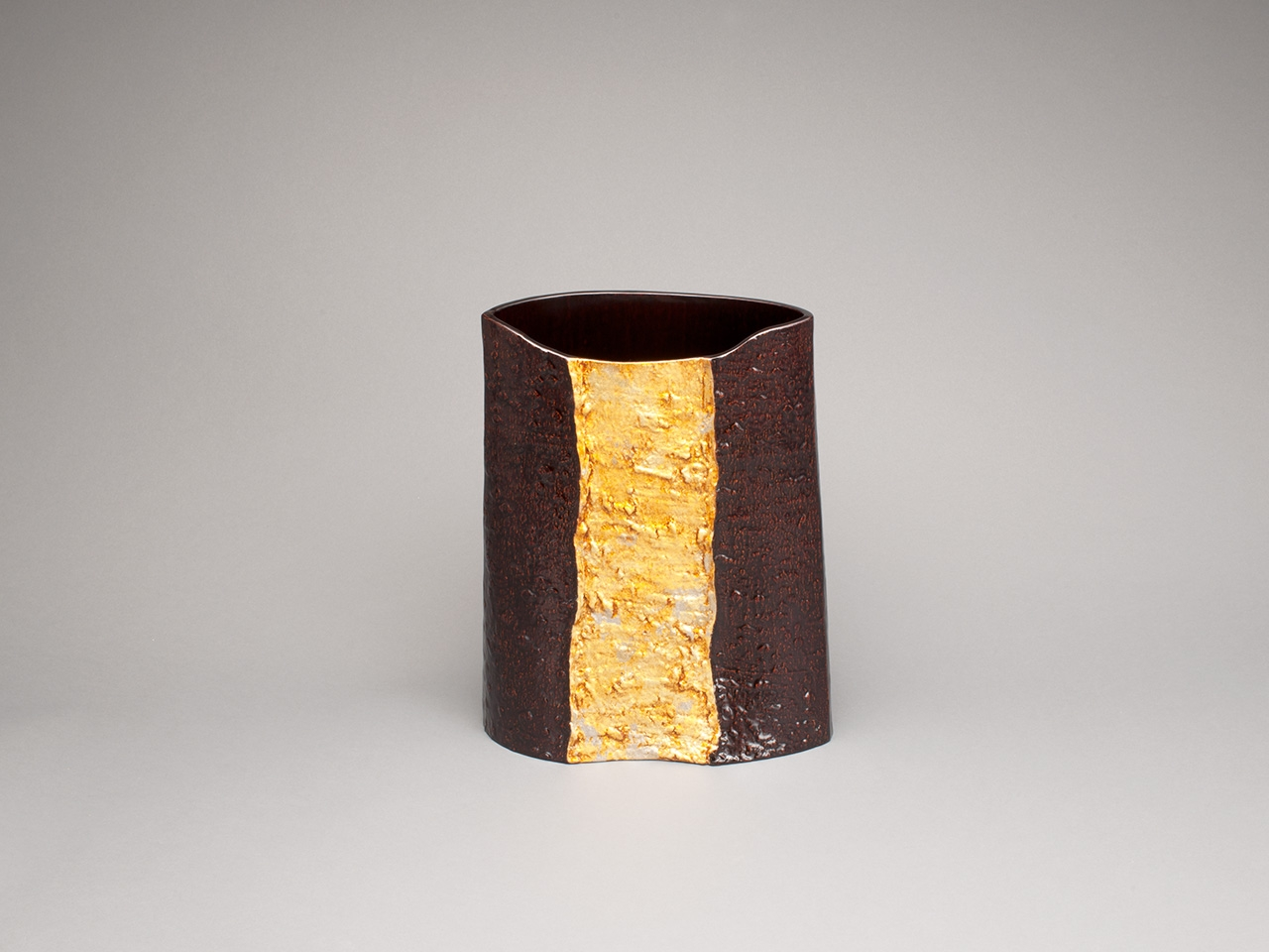 金彩 木皮板造花器