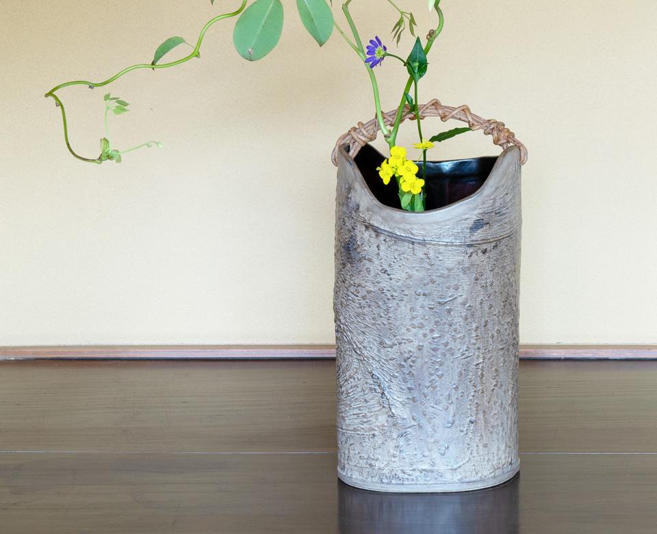 あけび手木皮花器